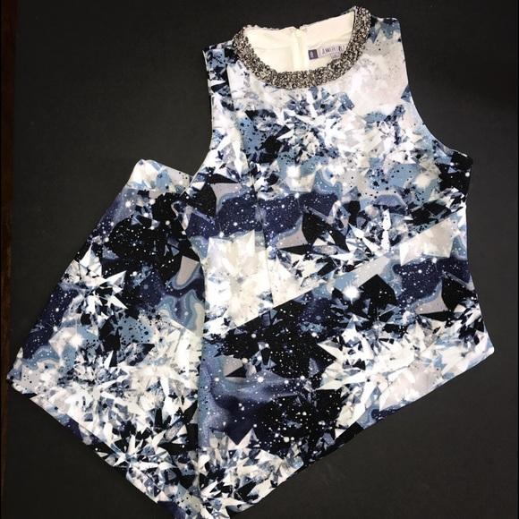 Jennifer Lopez Dresses & Skirts - Jenifer Lopez sleeveless sheath dress